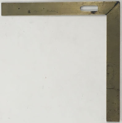 Escuadra plegable que acompaña, como herramienta de trabajo, al compás de proporción, siglo XIX, 15,5x15.5 cm