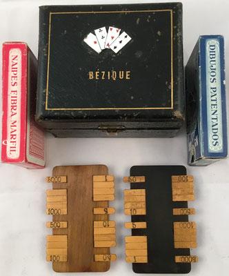Conjunto para el juego de cartas BEZIQUE: estuche, dos barajas y dos anotadores de puntuación