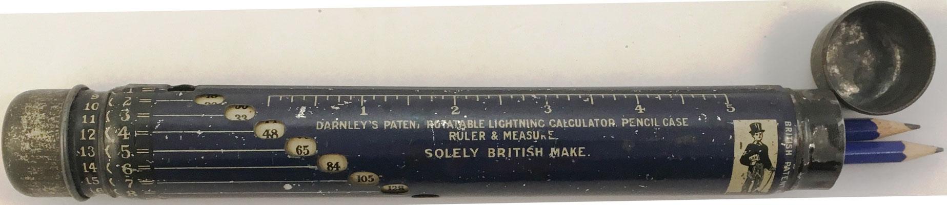 Estuche para lapiceros DARNLEY, hecho por Solely Manufacturing Co. en Inglaterra, año 1920, permite productos hasta 20x20