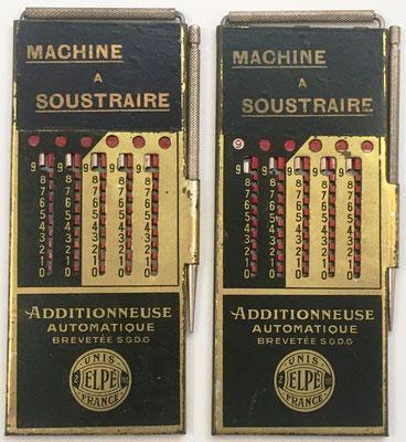 """Dos ejemplares del ábaco de ranuras para restar """"MACHINE Á SOUSTRAIRE"""", cuyas varillas internas tienen los números inscritos en orden inverso, fabricado por Le Girondin-Unis France, Elpe (2-193), año 1926, 6.5x15 cm"""
