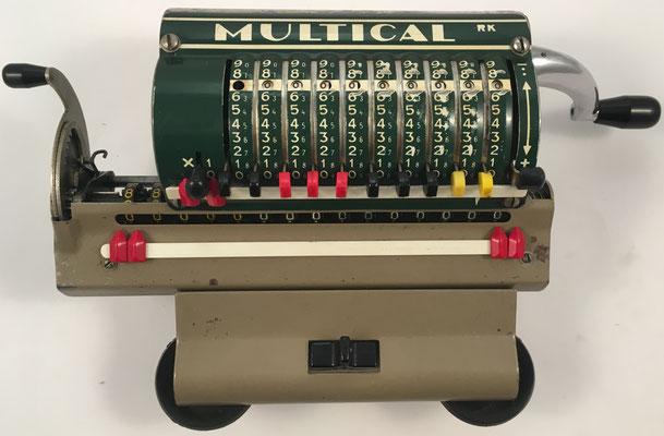 MULTICAL RK, es el nombre de MULTATOR para su comercialización en Francia, s/n 44044, año 1956, 26x10x8 cm