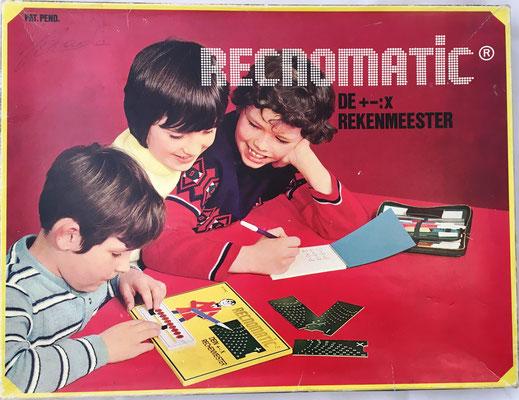 Tapa de la caja de RECNOMATIC, De Rekenmeester (El contador)