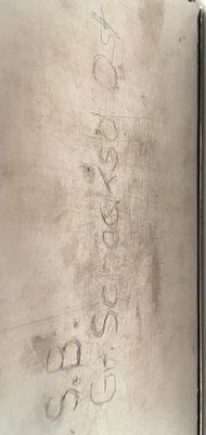 """Detalle del reverso del ábaco de ranuras RECORD LM, escrito """"Gr. Schacksd Ost"""" (GroB Schacksdorf Ost es una dirección postal)"""