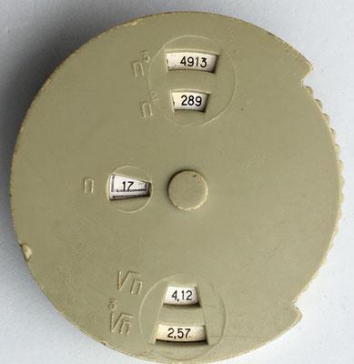 Regla rusa para potencias en reverso, 7 cm diámetro