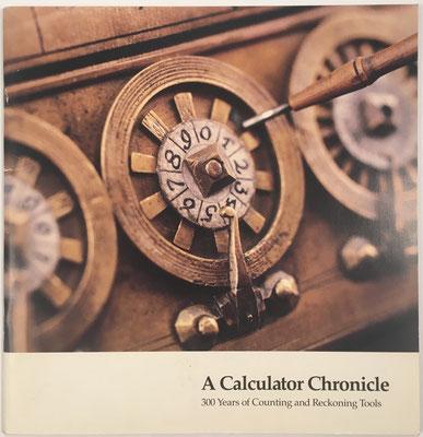 """Catálogo de la exposición """"A Calculator Chronicle: 300 years of Counting and Reckoning Tools"""", 31 páginas, año 1990, 23x23.5 cm"""