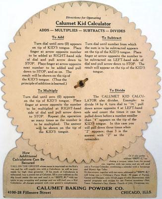 Reverso del CALCUMET KID CALCULATOR con instrucciones de uso para sumar, restar, multiplicar y dividir