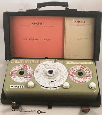 ARICI 68 en su estuche maleta de cuero