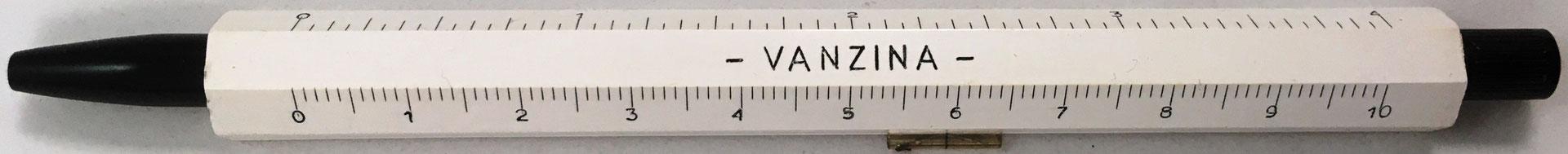 Trasera de la mini regla porta-lápiz MARCANTONI, el nombre VANZINA puede referirse a una marca publicitaria