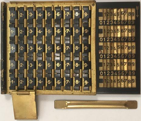 Instrumento combinado MULTIREX-MULTOR con ábaco multiplicativo de Napier en la base, hacia 1900