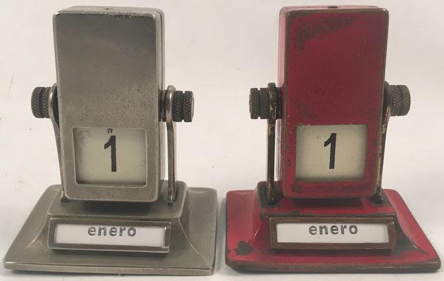 Par de calendarios de sobremesa, patente nº 241137, año 1925, 5.5x4x6 cm diámetro