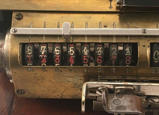 Cifras en el contador de vueltas con numeración braille