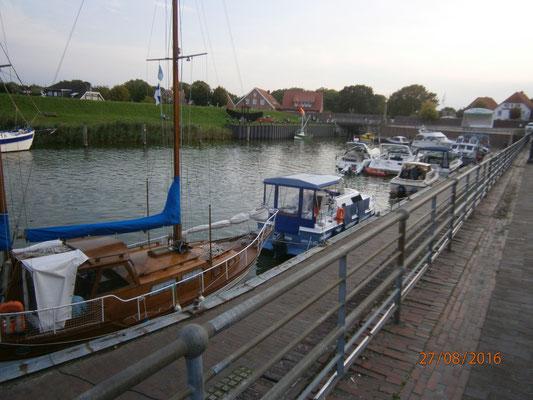 Flomar im alten Hafen von Hooksiel
