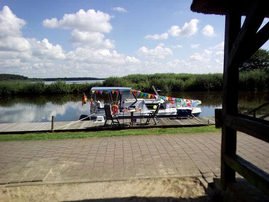 Die Flomar ist für das Seefest in Bad Bederkesa geschmückt
