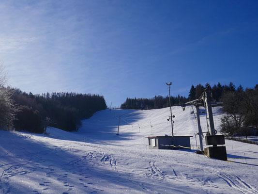Skilift Hartenrod im Winter