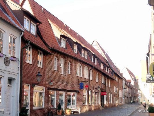 Rackerstraße 2-6