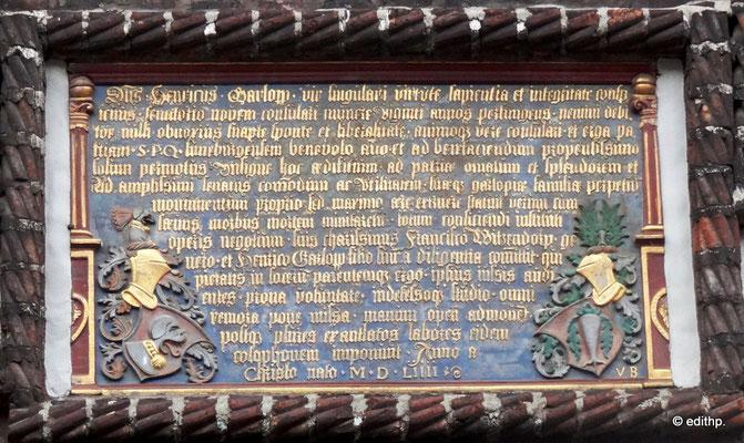 Schrifttafeln in Latein