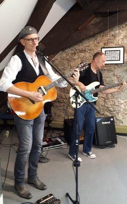 DOC heR bRaiN im Duo auf der Ausstellungseröffnung im Deutschen Knopfmuseum Bärnau