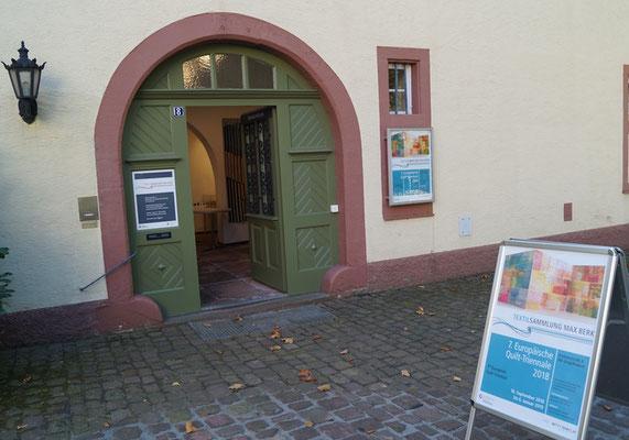 Eingang zur Textilsammlung Max Berk inHeidelberg - Ziegelhausen