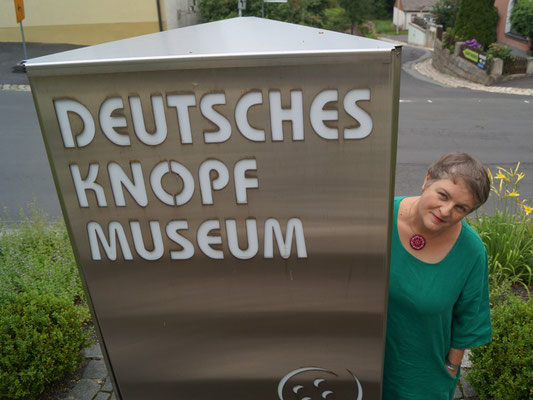 Ausstellung: UNIKATE - Knopfkunst und Kunstquilt