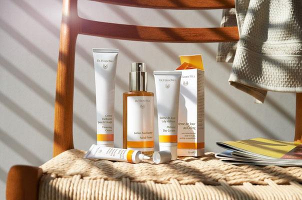 marque cosmetiques bio, hauschka, salon esthetique hauschka champagne, vente de produits esthetique en ligne, boutique bio, estheticienne bio