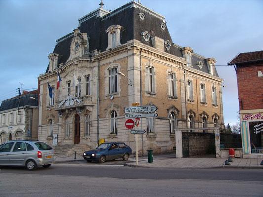 Très beau château de Marbeaumont à visiter absolument. (Médiathèque)