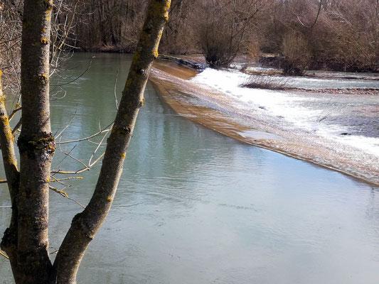 Jolies  cascades  en bout du parc F Mitterand, baignades d'été et pique-nique
