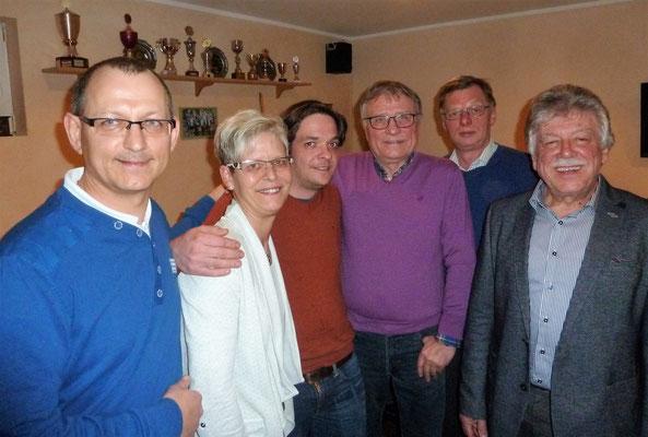 Der alte und neue Vorstand des TC Bad Lauterberg v.lks Michael Wald (2.Vors.), Claudia Ziemke-Wald (Schriftfhr.), Timo Fröhlich (Jugendwart), Peter Lehnen (Sportwart), Dieter König(Schatzmeister), Gero Fröhlich (1.Vors.)