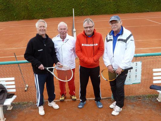 Zufrieden mit dem Saisonsauftakt (von links): Die Bad Lauterberger Tennissenioren Klaus-Dieter Jahn, Jürgen Breitenstein, Peter Lehnen, Karl-Heinz Ziegenbein.