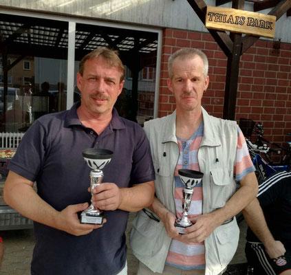 die Doppelvereinsmeister Michael Berents und Ralf Heinrich
