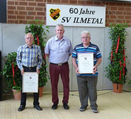Horst Nennmann mit den Gründungsmitgliedern Wolfgang Bertram (links) und Dieter Haase (rechts)
