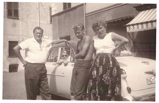 Familie Hallas-Gerlach. Klaus Gerlach (zweiter von links) wird später das Geschäft übernehmen.