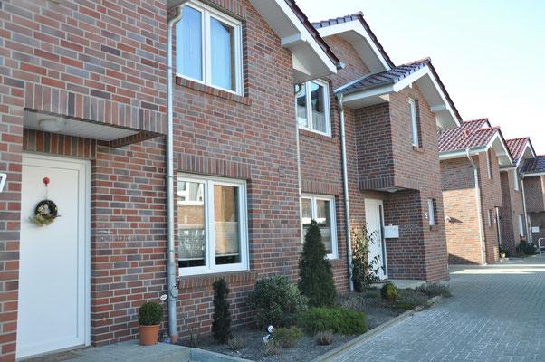 Papenburg, Kleiststraße, 8 Doppelhaushälften, 6 Reihenhäuser