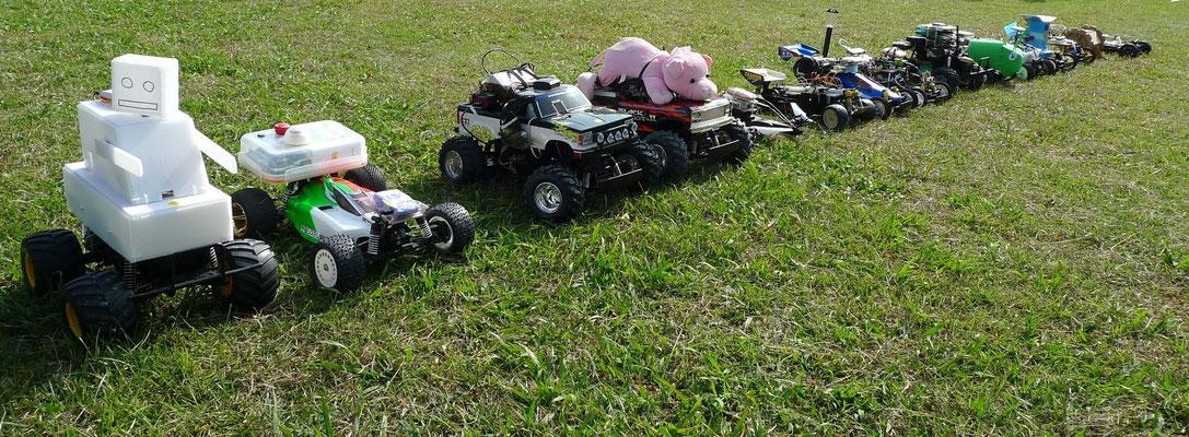 参加した15台のロボットカー