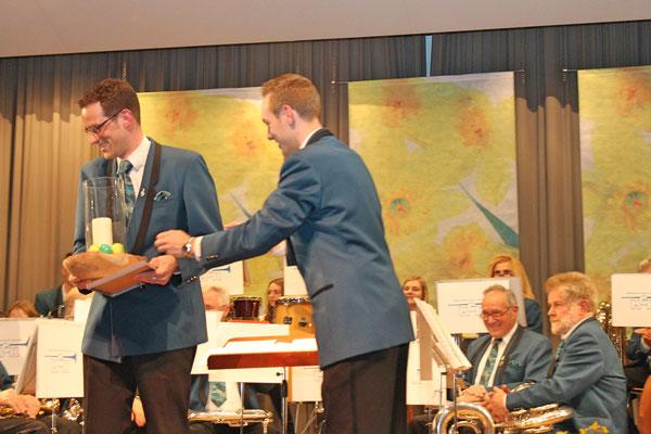Daniel Widmer, Ehrenmitglied 20 Jahre MGK; Jahreskonzert 29. März 2014 Mehrzweckhalle Kölliken