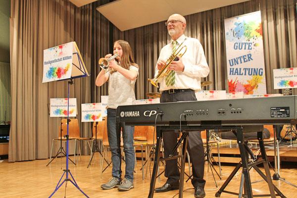 Jahreskonzert 24. März 2018 Mehrzweckhalle Kölliken; Jungmusikantin Annamaria Gamp; Musiklehrer und Dirigent Hansjörg Ammann