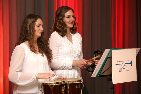 Ursina und Linda Ammann, Percussion; Jubiläumskonzert «125 Jahre MGK» 02.04.2016 MGK und MVU (D); Foto: Ruedi Hunziker, Atelier Lightning, Kölliken