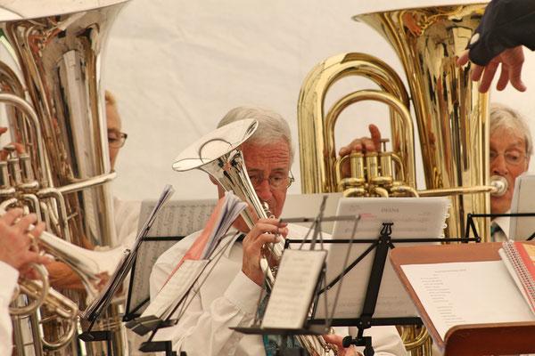 Konzert im Festzelt auf dem Dorfplatz am Sommernachtsfest vom 18. August 2019; Max Hächler (Es-Horn)