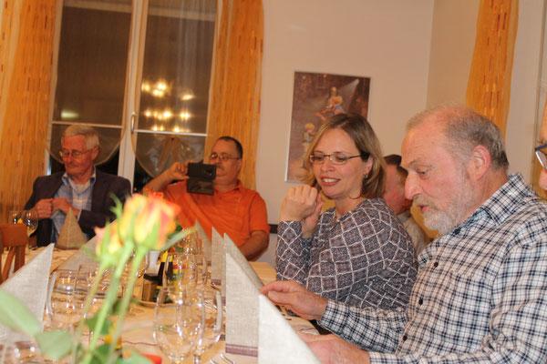 Jahresschlusshock (mit Kegeln) im Rest. Linde in Küngoldingen am 30. November 2019; Ruedi Schmid und Jacqueline Erismann