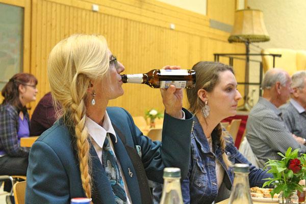 Blasmusikabend Utzenfeld (D) 28.04.2018; Carolina Ammann (links), Ursina Ammann