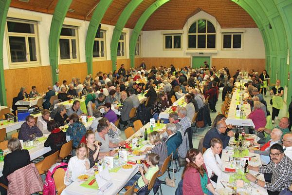 Jahreskonzert vom 23. März 2019 MZH Kölliken; die Halle füllt sich