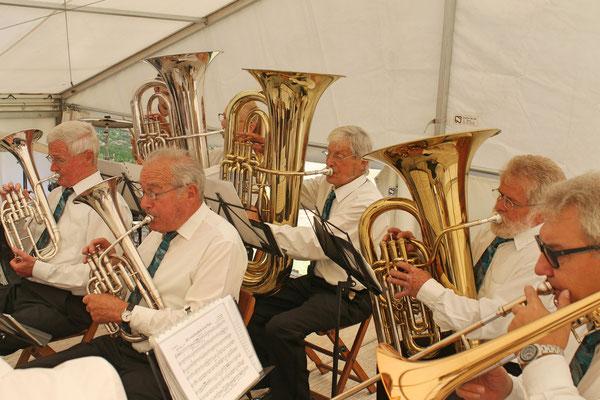 Konzert im Festzelt auf dem Dorfplatz am Sommernachtsfest vom 18. August 2019