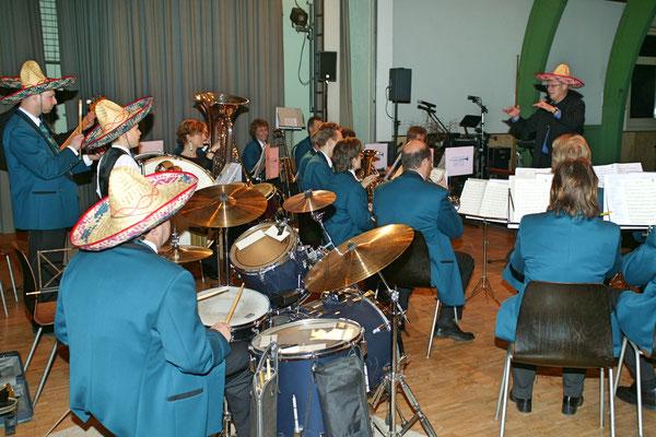 """Jahreskonzert 19. März 2005; Hansjörg Ammann 20 Jahre MGK-Dirigent; """"Samba Orfeo"""""""