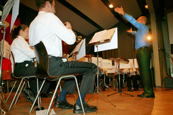 Jahreskonzert 19. März 2005; Hansjörg Ammann 20 Jahre MGK-Dirigent