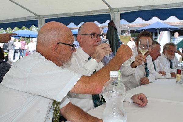 Wiedereröffnung (nach der Modernisierung) der katholischen Kirche Kölliken am 13. August 2017; Hansjörg Ammann (Dirigent MGK), Daniele Fabbro (Posaune), Matthias Zeltner (MGK-Präsident, Euphonium)