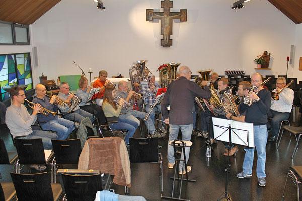 Probesamstag 24. November 2018 mit dem Jodlerklub Kölliken in der katholischen Kirche; «Solitaire» Röbi Messer Cornet-Solo