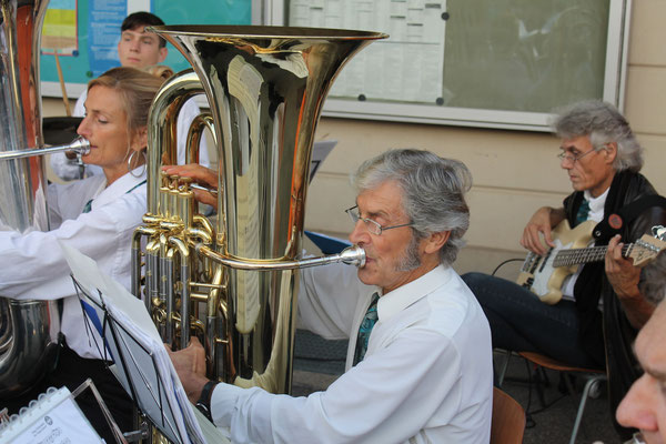 Sepp Ottiger, B-Bass; Beizlifest Kölliken 8. September 2012, Ständchen beim Gemeindehaus