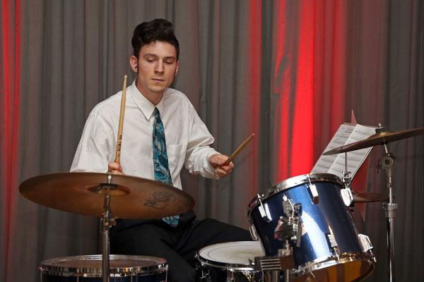 Claudius Ammann, Schlagzeug; Jubiläumskonzert «125 Jahre MGK» 02.04.2016 MGK und MVU (D); Foto: Ruedi Hunziker, Atelier Lightning, Kölliken