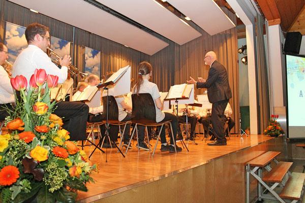 «A Swinging Safari» (Komposition von Bert Kämpfert); Jahreskonzert vom 1. April 2017 in der Mehrzweckhalle Kölliken
