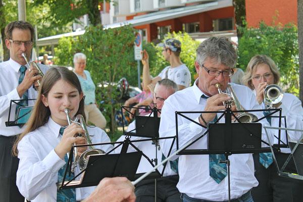 Empfang der Turner vom Eidg. Turnfest Bahnhof Kölliken 23. Juni 2019; Annamaria Gamp, Kurt Woodtli
