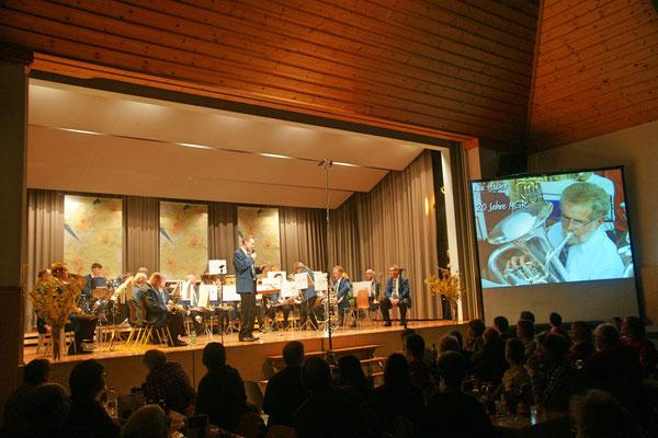 Ernennung von Lui Huber zum Ehrenmitglied der MGK (20 Jahre Aktivmitglied); Jahreskonzert 23. März 2013 Mehrzweckhalle Kölliken